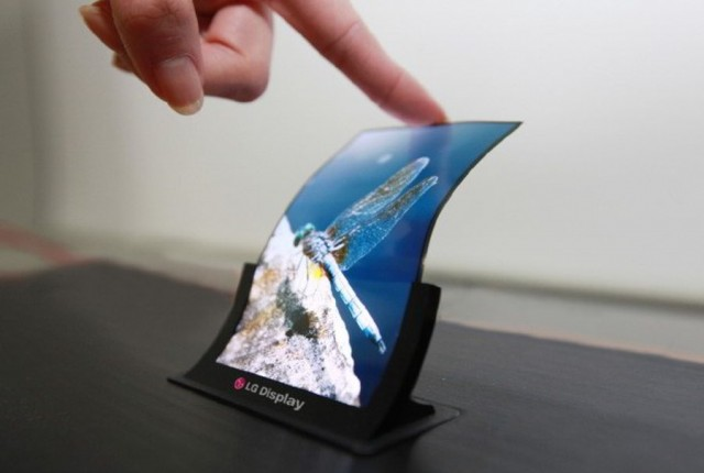 LG-to-demo-flexible-and-unbreakable-OLED-panel-640x430